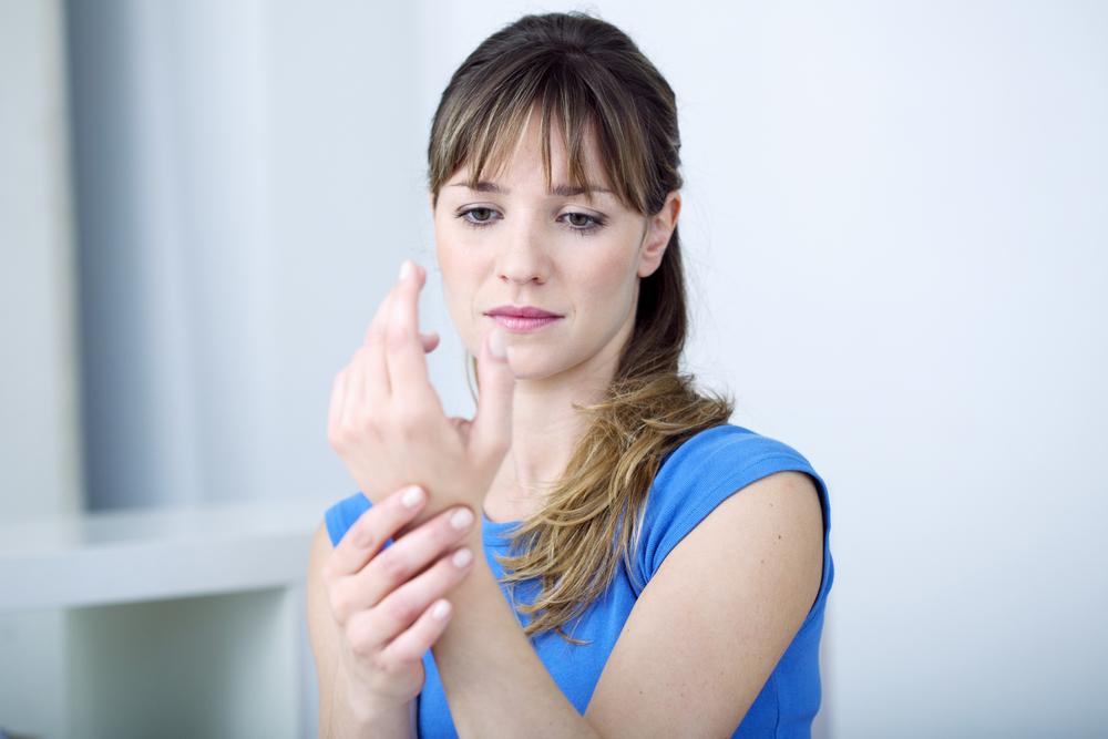 jobb hüvelykujj fájdalom lelki okai egy injekció a térdízületben a fájdalom nem szűnt meg